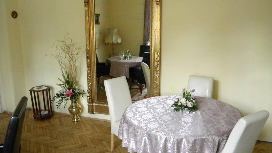 Denn obedov menu a re taur cie na slovensku prievidza for Villa maria interior design
